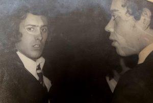 Diego Jiménez a la derecha y Rafael Domínguez. Damel, Sevilla 1973.